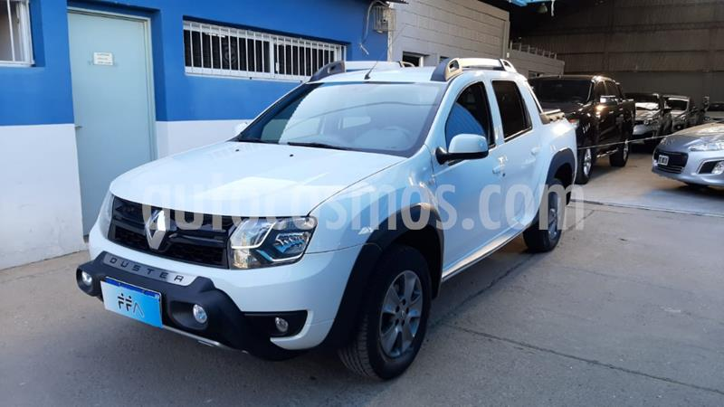 Renault Duster Oroch Outsider Plus 2.0 usado (2017) color Blanco precio $1.549.000