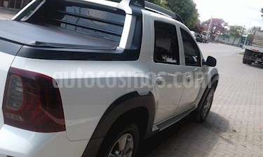 Renault Duster Oroch Outsider Plus 2.0 usado (2017) color Blanco precio $870.000
