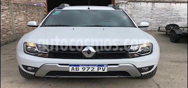 Renault Duster Oroch Outsider Plus 2.0 usado (2017) color Blanco precio $975.000