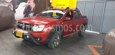 Renault Duster Oroch Dynamique 4x2 usado (2017) color Rojo Fuego precio $49.900.000