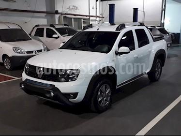 Foto venta Auto nuevo Renault Duster Oroch Outsider Plus 2.0 4x4 color Blanco Glaciar precio $850.000