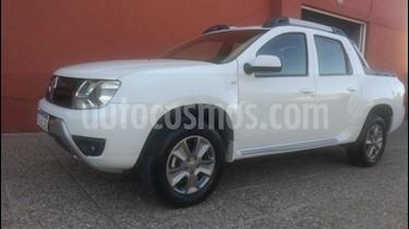 Foto venta Auto usado Renault Duster Oroch Outsider Plus 2.0 (2017) color Blanco precio $650.000