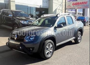 Foto venta Auto usado Renault Duster Oroch Outsider Plus 2.0 (2019) color Gris Oscuro precio $885.000