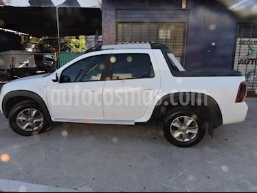 Foto venta Auto usado Renault Duster Oroch Outsider Plus 2.0 (2018) color Blanco Glaciar precio $665.000