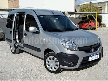 foto Renault Kangoo 2 Break 1.6 Authentique Plus 2P usado (2018) color Gris Estrella precio $490.000
