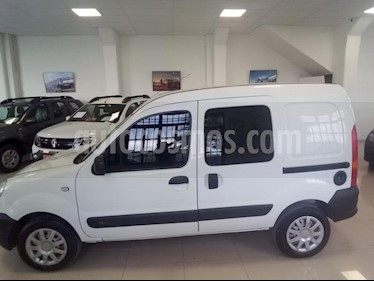 foto Renault Kangoo Break Confort 1.6 usado (2016) color Blanco precio $310.000