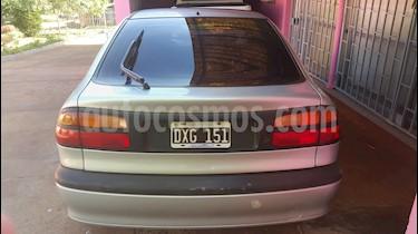 Foto venta Auto usado Renault Laguna RXE 2.0 (2001) color Gris precio $135.000
