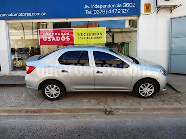 Renault Logan 1.6 Authentique usado (2015) color Gris Claro precio $410.000