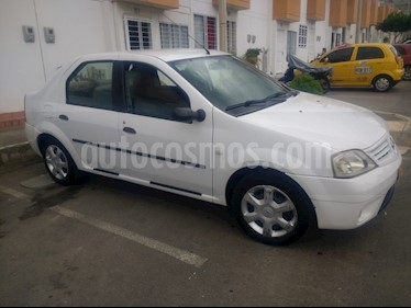 Renault Logan 1.6 Expression AA Mec 4P usado (2008) color Blanco precio $14.500.000