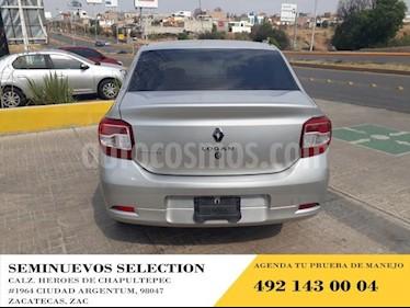 Foto venta Auto usado Renault Logan 4p Zen L4/1.6 Man (2018) color Plata precio $155,000