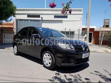 Renault Logan 1.6 Expression usado (2014) color Negro precio $400.000