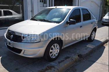 Renault Logan 1.6 Confort usado (2012) color Gris precio $380.000