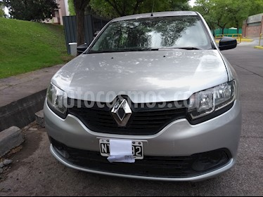 Renault Logan 1.6 Authentique Pack II usado (2014) color Gris Estrella precio $390.000