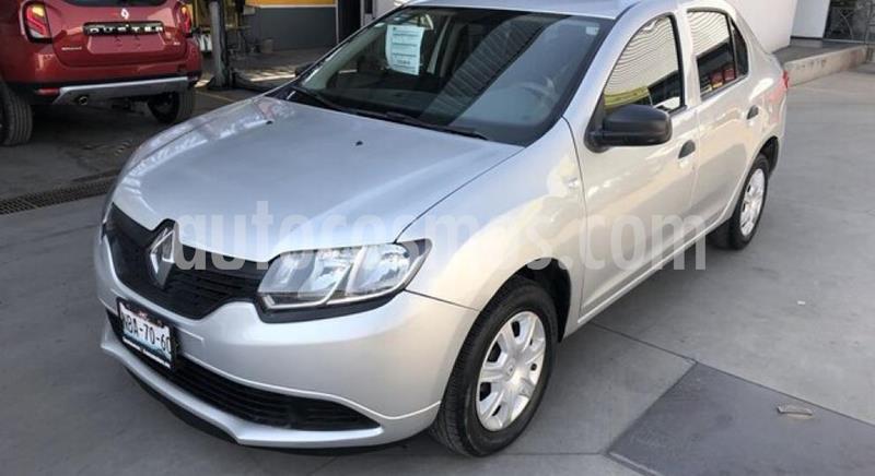 Renault Logan Zen usado (2017) color Plata precio $135,000