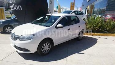 Foto Renault Logan 4p Expression L4/1.6 Aut usado (2016) color Blanco precio $135,000