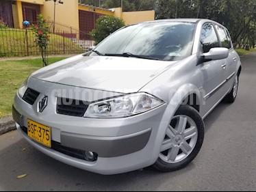 Foto venta Carro Usado Renault Megane ll Hatchback 2.0L Dynamique (2005) color Plata
