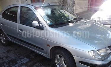 Foto venta Auto Usado Renault Megane - (1999) color Gris Plata  precio $82.000