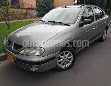 Foto venta Carro usado Renault Megane 1.4 Unique Mec 4P (2005) color Verde precio $12.700.000