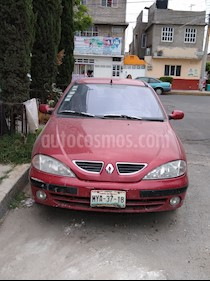 Foto venta Auto usado Renault Megane 2.0L 3P Authentique   (2003) color Rojo precio $23,000