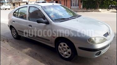 Foto venta Auto usado Renault Megane Bic 1.6 RN (2002) color Gris Plata  precio $108.000