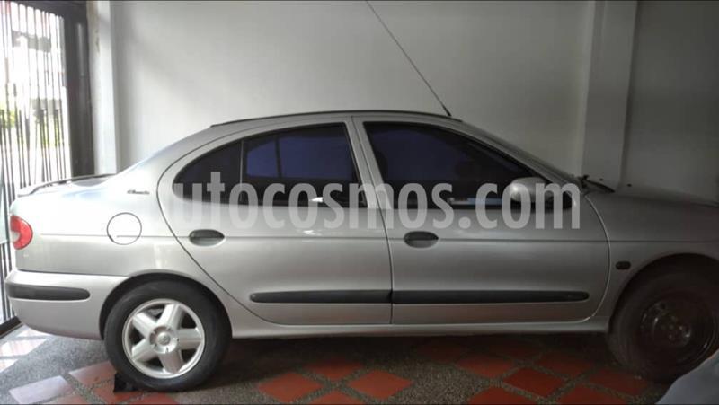 Renault Megane Auto. usado (2004) color Plata precio BoF1.400