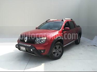 Foto Renault Oroch Outsider usado (2019) color Rojo Fuego precio $310,200