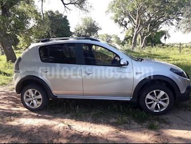 Foto venta Auto usado Renault Sandero Stepway 1.6 Confort (2013) color Plata