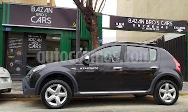 Renault Sandero Stepway 1.6 Confort usado (2011) color Negro precio $365.000