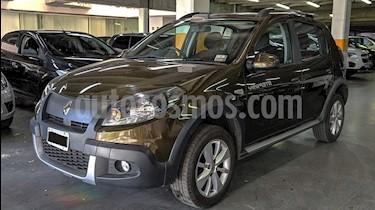 Renault Sandero Stepway 1.6 Confort usado (2014) color Verde Oscuro precio $450.000