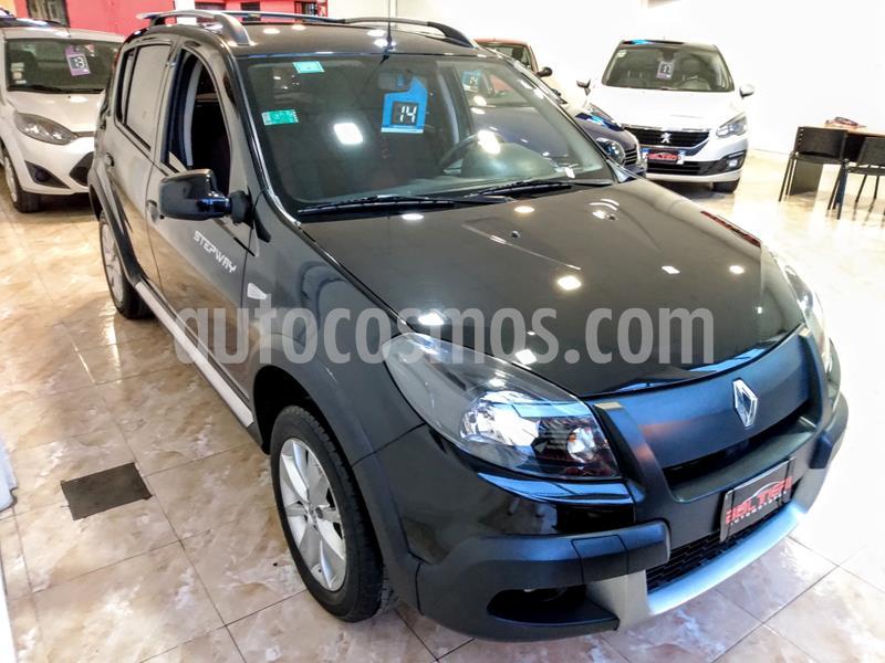 Renault Sandero Stepway 1.6 Confort usado (2014) color Negro precio $680.000