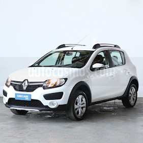Renault Sandero Stepway 1.6 Privilege NAV usado (2017) color Blanco Glaciar precio $680.000