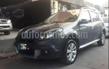 Renault Sandero Stepway 1.6L Privilege usado (2013) color Gris Oscuro precio $500.000