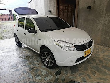 Foto Renault Sandero 1.6 Authentique AA Mec 5P usado (2012) color Blanco precio $22.000.000