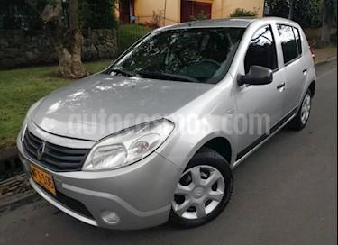 Foto venta Carro usado Renault Sandero 1.6 Expression Mec 5P (2012) color Plata precio $21.400.000