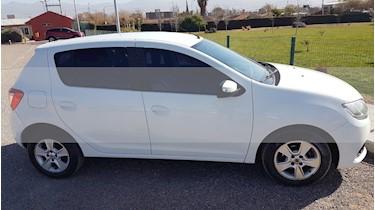 Renault Sandero 1.6 Privilege Nav usado (2015) color Blanco Glaciar precio $365.000