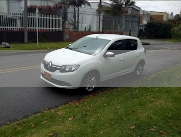 Foto venta Carro usado Renault Sandero Dynamique (2019) color Blanco precio $31.900.000