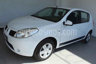 Renault Sandero 5p Dynamique 5vel a/a usado (2011) color Blanco precio $99,000