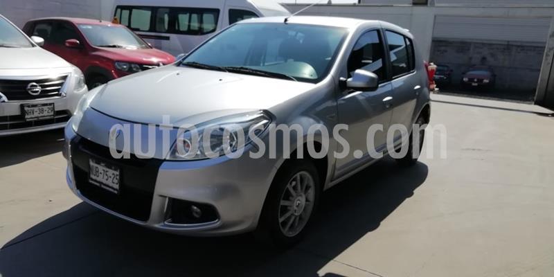 Renault Sandero Dynamique Aut usado (2014) color Plata precio $120,000
