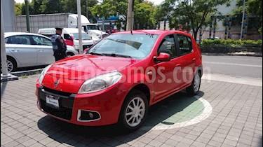 Foto Renault Sandero Dynamique Aut usado (2015) color Rojo precio $155,000