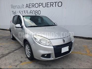 Foto Renault Sandero Dynamique Aut usado (2013) color Plata precio $95,000