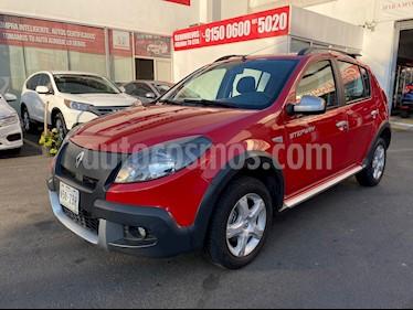 Renault Stepway Expression usado (2013) color Rojo Fuego precio $118,000