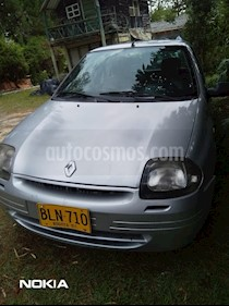 Renault Symbol 1.4 RNA usado (2002) color Gris precio $9.000.000