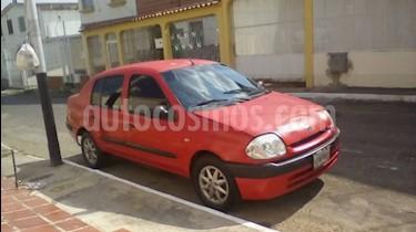 Foto venta carro usado Renault Symbol Sinc. (2002) color Rojo precio u$s900