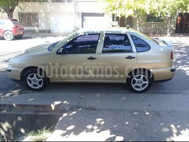 Foto venta Auto usado SEAT Cordoba 1.9 SDi Full (2001) color Dorado precio $100.000