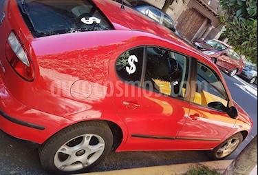 SEAT Leon Signo 1.8L (125Hp) usado (2004) color Rojo Vivo precio $66,000
