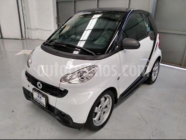 smart Fortwo 3P FORTWO COUPE BLACK AND WHITE MHD 71 HP TA usado (2014) color Blanco precio $130,000
