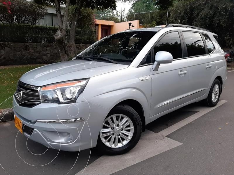 SsangYong Rodius 2.0L 4x2 Diesel usado (2014) color Plata precio $51.900.000