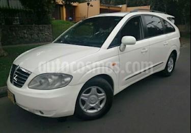 Foto venta Carro usado Ssangyong Stavic 2.7L TDi (2008) color Blanco precio $31.900.000