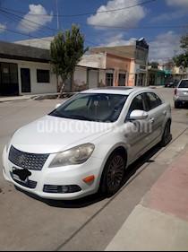Suzuki Kizashi GLX Aut usado (2011) color Blanco precio $120,000