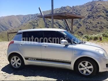 Foto venta Auto usado Suzuki Swift 5P 1.5 (2010) color Plata precio $240.000